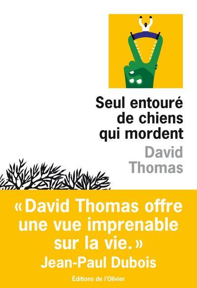 SEUL ENTOURE DE CHIENS QUI MORDENT